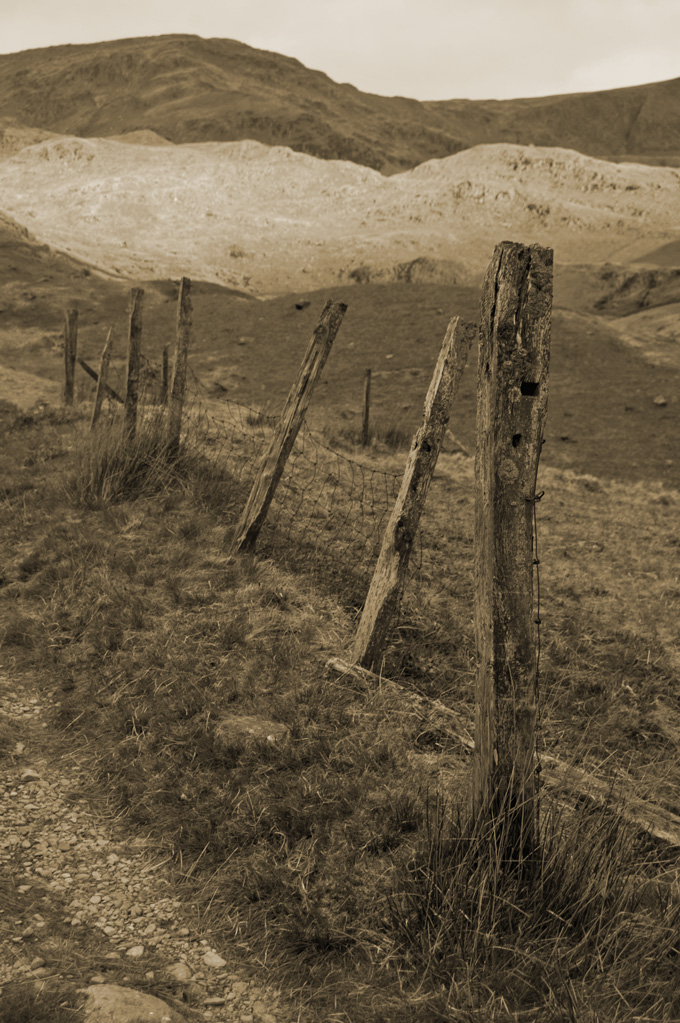 old_fence_680