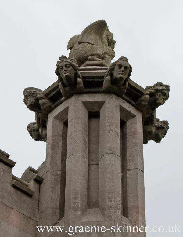 mausoleum_heads_600
