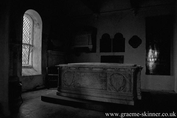 tomb_1_600